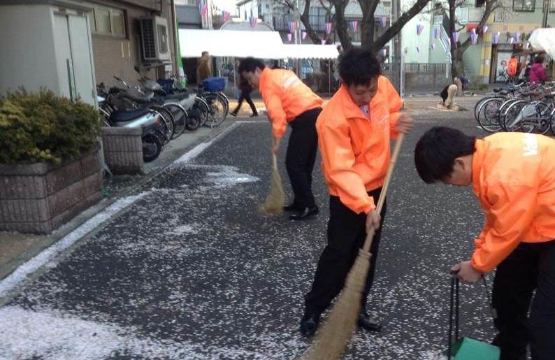 自分達の地域を大切にしよう!自主的にはじめた清掃活動。