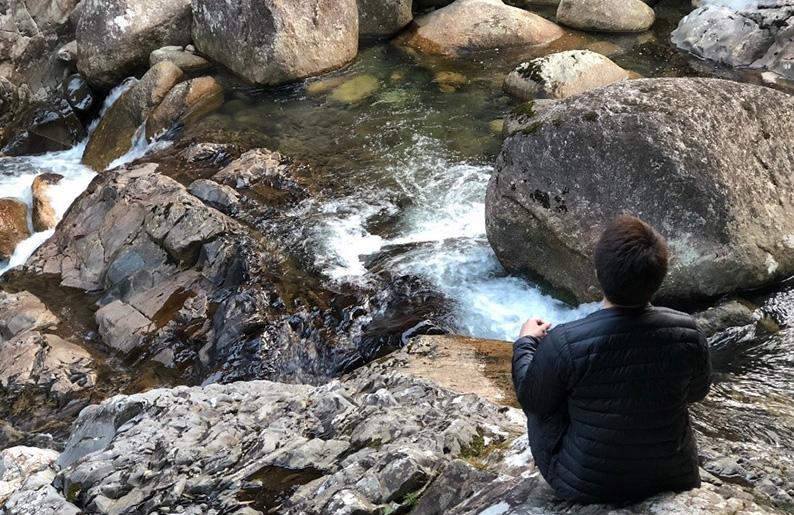 屋久島の自然に抱かれて静かに深く自分をみつめる