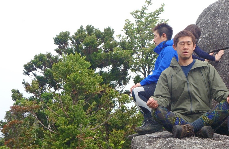 屋久島の大自然に抱かれて心の声を聴く。